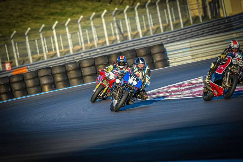 Classic motorcycle endurance racing Europe with eelc.eu